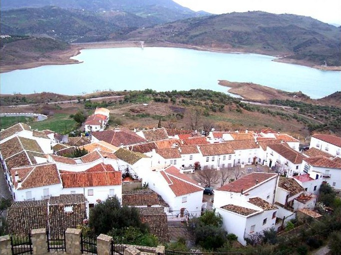zahara-de-la-sierra-cadiz-espana