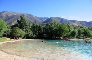 Lugares de interes zahara de la sierra la sierra de for Piscinas naturales bolonia cadiz